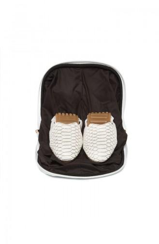 White Woman Flat Shoe 03