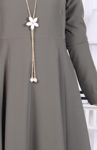Kleid mit Halskette 1075-04 Khaki Grün 1075-04