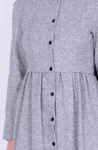 Gray Mantel 1974-03