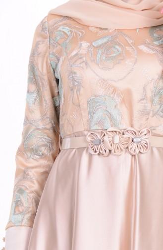 Abendkleid aus Satin 6885-01 Beige Minzengrün 6885-01