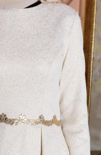 Gefaltetes Abendkleid mit Jacquard 7151-04 Creme 7151-04