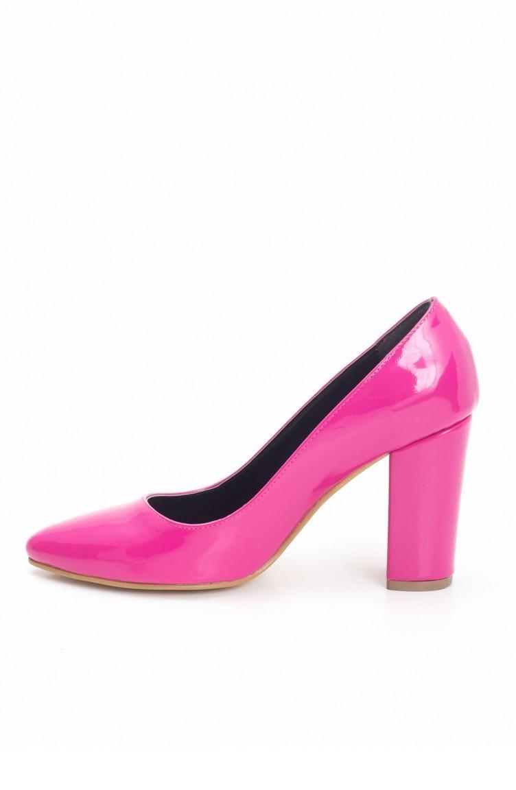 1619e17034ece حذاء كعب جلد لون فوشي 55371