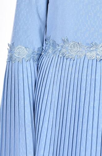 Gefaltetes Kleid mit Gürtel 4123-14 Baby Blau 4123-14