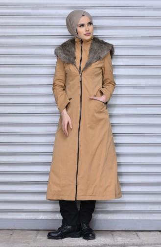 معطف طويل بتصميم موصول بقبعة و سحاب 35779-02 لون عسلي فاتح 35779-02