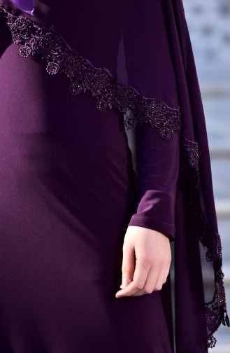 فستان يتميز بتفاصيل من الشيفون والدانتيل 4476-05
