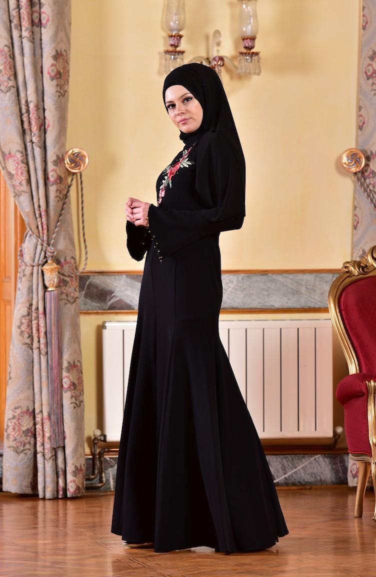 df733f5bc7e1d فستان بتفاصيل مرصعة ومطرزة 1713328-01
