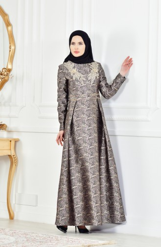 فستان بتصميم مميز بتفاصيل مرصعة ومن الدانتيل  8085-05