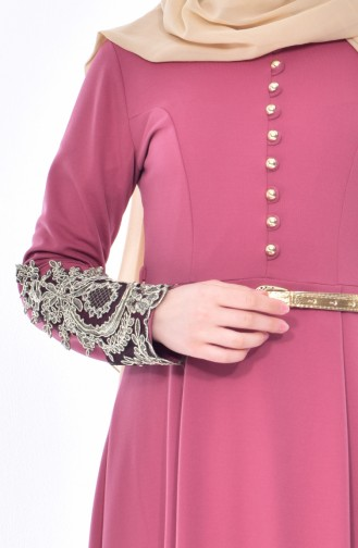 فستان يتميز بتفاصيل من الدانتيل 4462-05 لون وردي باهت 4462-05