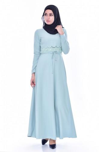 Lasergeschnittenes Kleid mit Spitzen 1088-03 Mandel Grün 1088-03