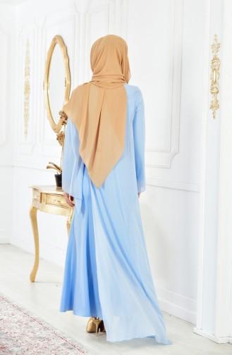 فستان يتميز بتفاصيل من الدانتيل المحفور 4006-06