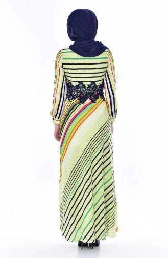 فستان بتفاصيل من الدانتيل بتصميم مُخطط 2309-02 لون اخضر فستقي 2309-02