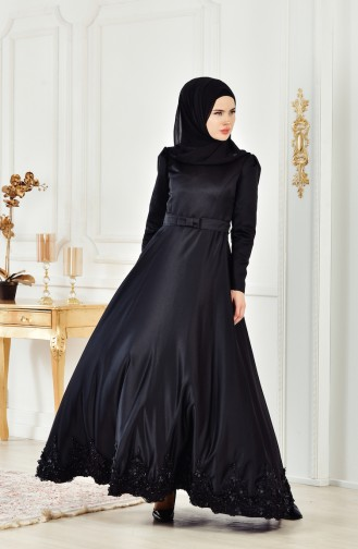 فستان يتميز بتفاصيل من الدانتيل 2912-04 لون اسود 2912-04