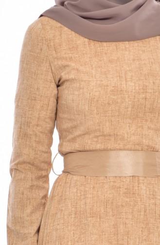 فستان مُطبع بتصميم حزام خصر 3259-05 لون عسلي فاتح 3259-05
