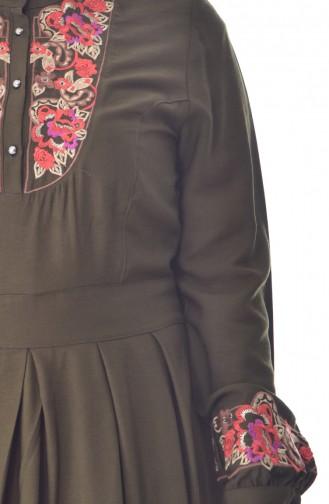 Kleid mit Stickerei 2019-03 Khaki 2019-03