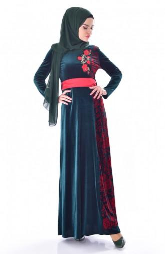 فستان بتفاصيل مُطرزة وحزام للخصر 7725-04 لون زُمردي اخضر 7725-04