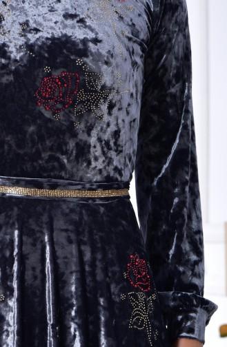 فستان مخمل بتصميم مُطبع بأحجار لامعة 28216-02 لون رمادي 28216-02
