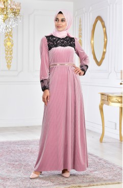 91d1f6ec02067 فستان سهرة يتميز بتفاصيل من الدانتيل 28210-03 لون اسود 28210-03