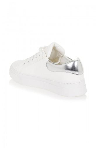 حذاء رياضي نسائي 50032-01 لون أبيض و فضي 50032-01