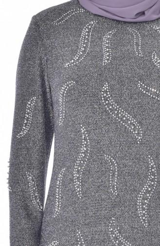 فستان سهرة يتميز تفاصيل من الؤلؤ بمقاسات كبيرة 6177-02 لون فضي 6177-02