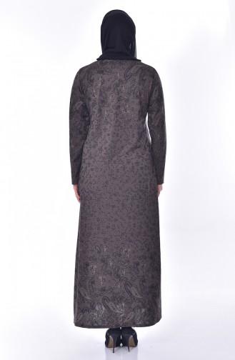 فستان مُطبع بأحجار لامعة بمقاسات كبيرة 4889-05 لون بني مائل للرمادي داكن 4889-05