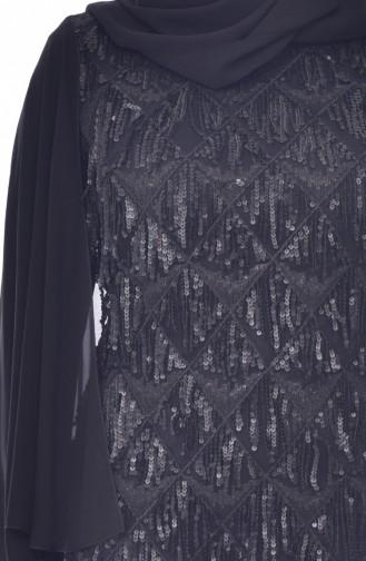 فستان يتميز بتفاصيل من الترتر بمقاسات كبيرة 6173-03 لون اسود 6173-03