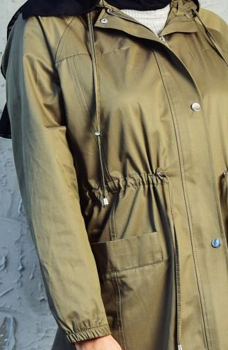 ترانش كوت بتصميم سحاب وجيوب 6058-05 لون اخضر كاكي 6058-05