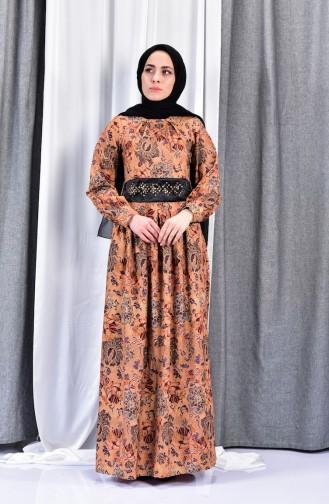 فستان بتصميم مُطبع 2004-03 لون اصفر داكن 2004-03