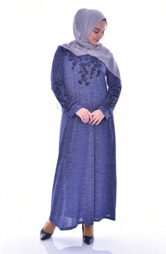 فستان بتفاصيل مُطرزة بمقاسات كبيرة 4828-02 لون نيلي 4828-02