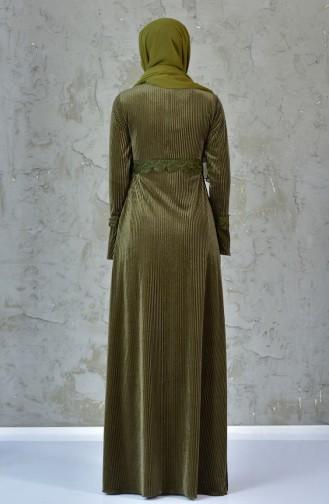 فستان بتفاصيل من الدانتيل 99156-01 لون اخضر كاكي 99156-01