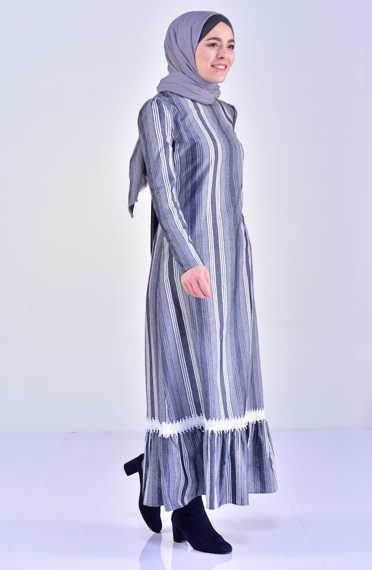 bdf52fd53f7a1 Eteği Büzgülü Dantelli Elbise 7209-03 Gri
