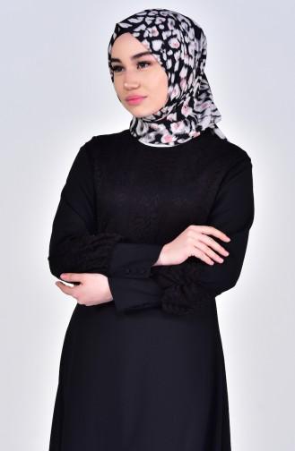 فستان بتفاصيل من الدانتيل 5011-02 لون اسود 5011-02