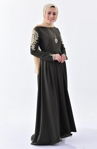 بورون فستان بتصميم طيات مُزين بقلادة 81638-02 لون اخضر كاكي 81638-02