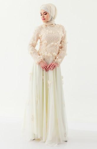 فستان بتصميم مُزين بالورد 8146-01 لون كريمي 8146-01