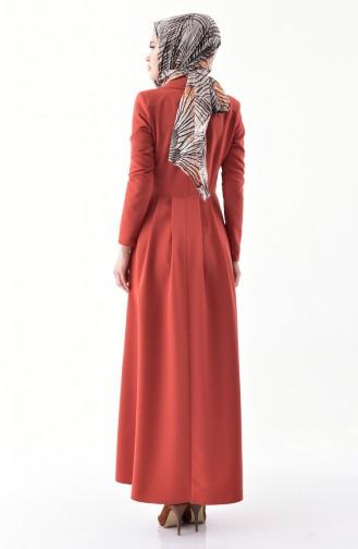 فستان بتصميم ياقة مزدوجة و طيات7232-02 لون قرميدي 7232-02
