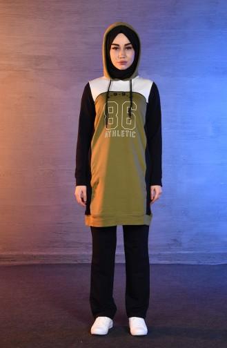 بي وست بدلة رياضية بتصميم موصول بقبعة 8297-03 لون أخضر زيتي 8297-03