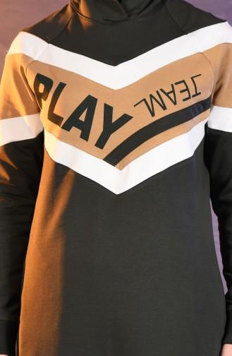 بي وست بدلة رياضية بتصميم موصول بقبعة 8302-03 لون اخضر كاكي 8302-03