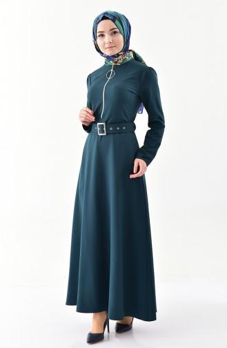 Reissverschluss-detailliertes Kleid mit Gürtel  4507-04 Smaragdgrün 4507-04