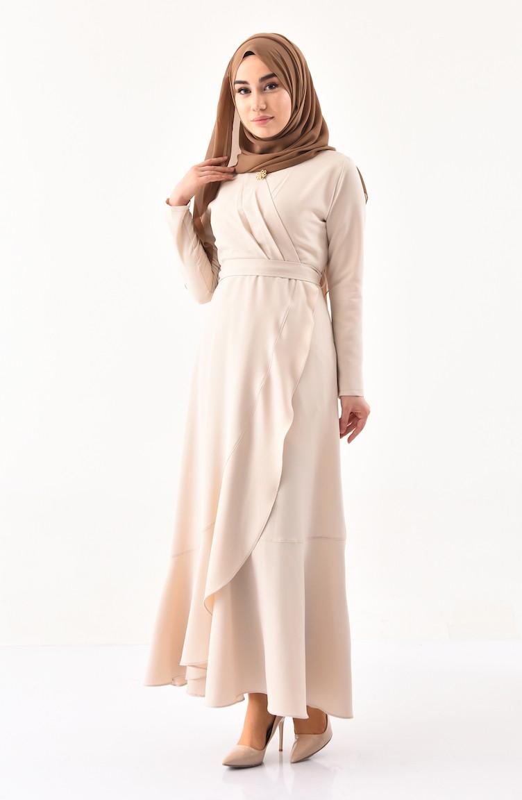 5df72ddcd فستان بتفاصيل حزام للخصر وبروش 0004-05 لون بيج 0004-05