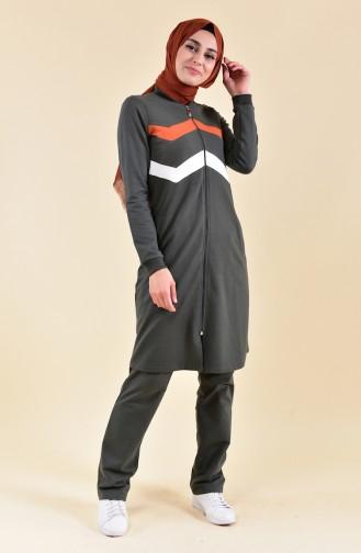 بي وست بدلة رياضية بتصميم سحاب 8312-02 لون اخضر كاكي 8312-02