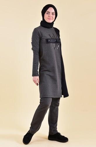 بي وست بدلة رياضية بتصميم مُطبع 9012-03 لون اسود مائل للرمادي 9012-03