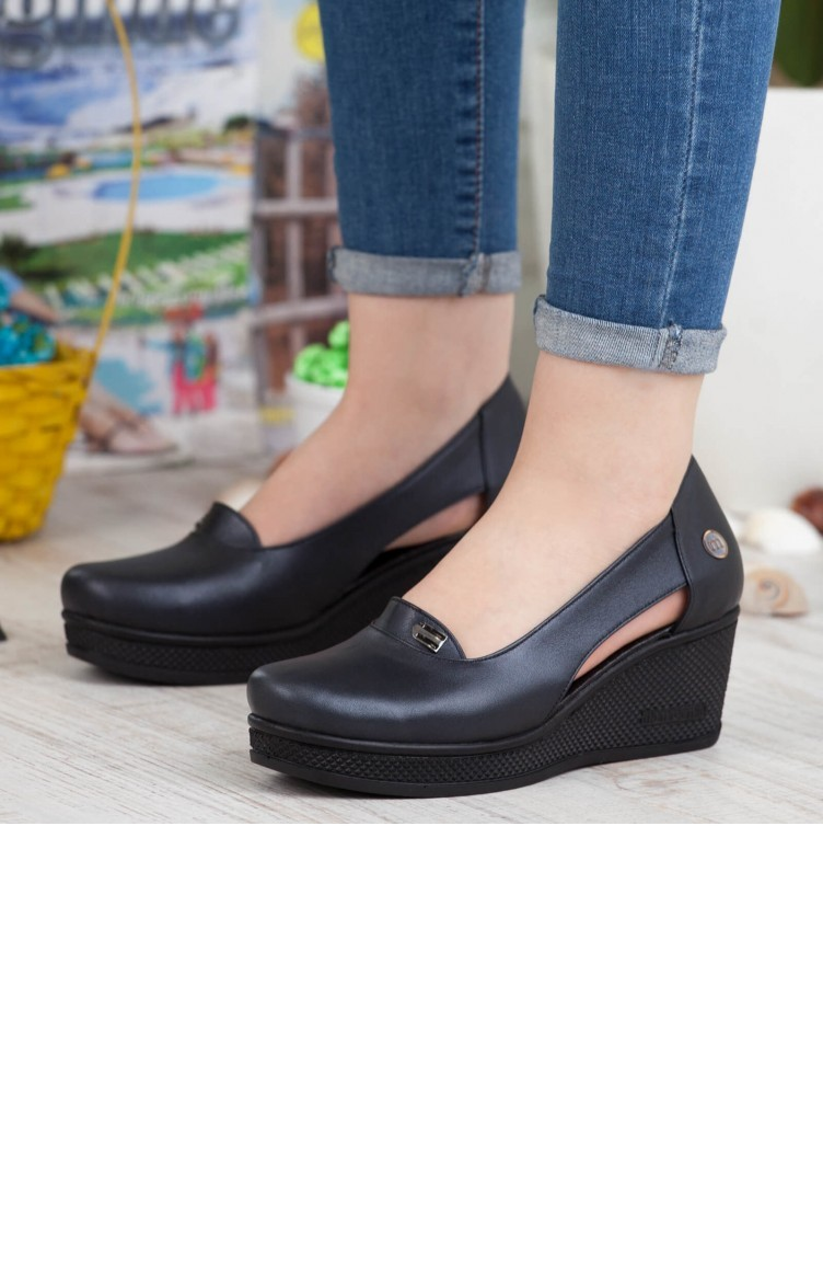 d06824166 ماما ميا حذاء نسائي بتصميم كاجوال A192Ydyl00561411 لون اسود جلد  192YDYL00561411