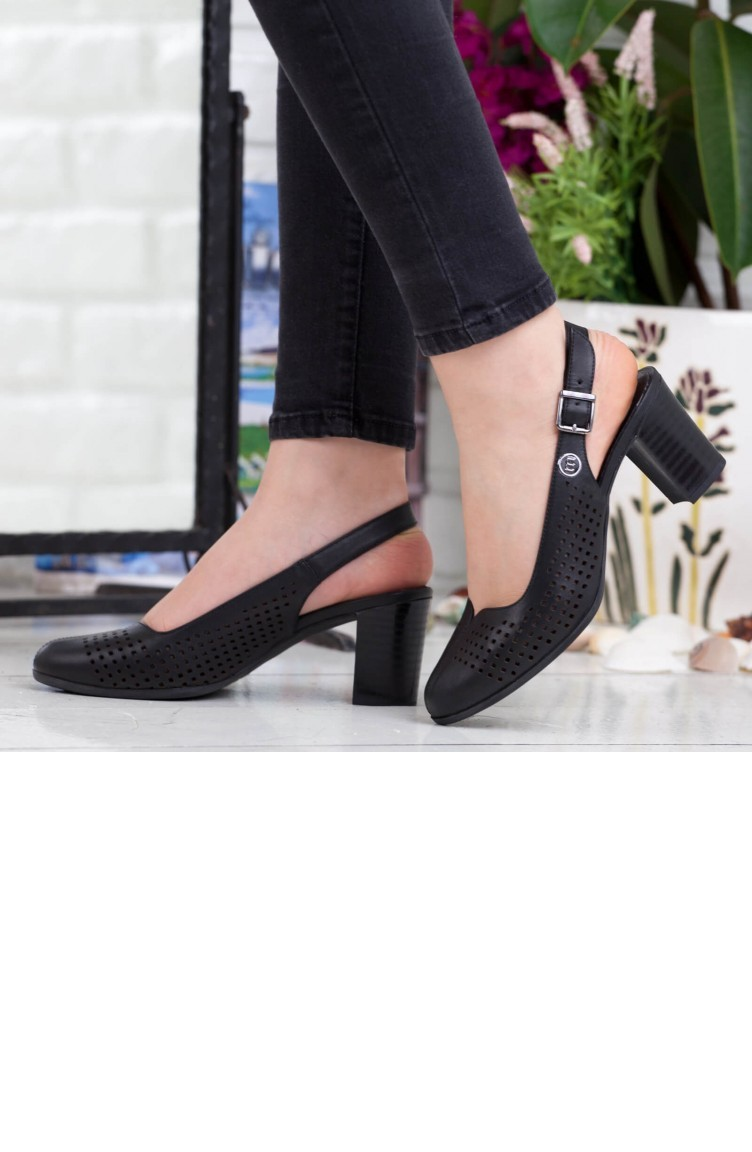 edb85ba33 ماماميا حذاء نسائي بتصميم كعب A192Ydyl0062000 لون اسود جلد 192YDYL0062000
