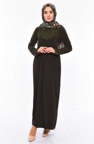 فستان بتصميم طيات مزين بالدانتيل 6189-02 لون اخضر كاكي 6189-02