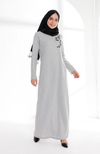 فستان بتفاصيل مُطرزة 5013-09 لون رمادي 5013-09