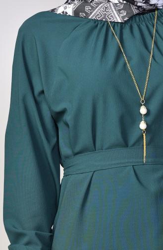 Kolyeli Kuşaklı Elbise 5255-05 Zümrüt Yeşili 5255-05