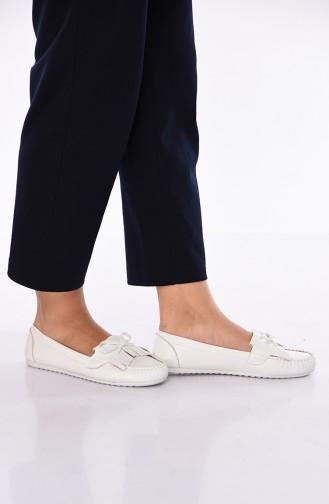 White Woman Flat Shoe 125-04