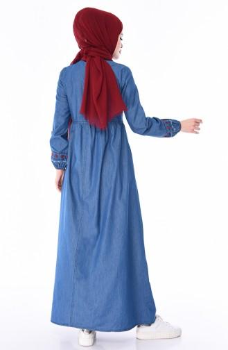 فستان جينز بتفاصيل مُطرزة 4047-02 لون أزرق جينز 4047-02