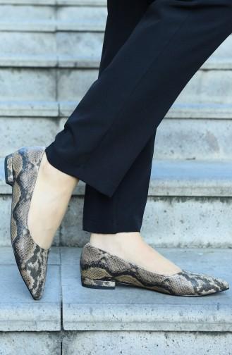 حذاء مسطح بني مائل للرمادي 381-01