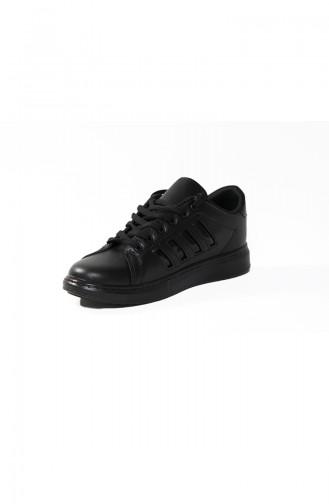 حذاء رياضي نسائي لون اسود بخطوط سوداء 30050-04