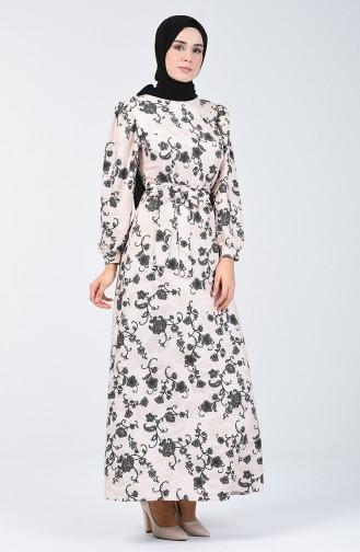 Silbernes Kleid mit Band 60093-02 Beige 60093-02
